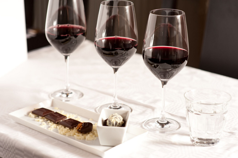85eb1f524c Arquivo para Bordeaux julga gangue acusada de roubar vinhos - WineChef