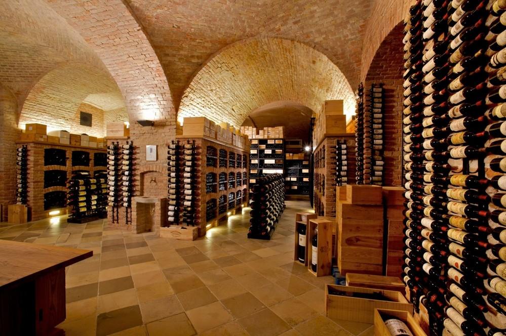 Vsita da adega de guarda de vinhos do Palais Coburg Residenz