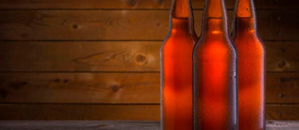 Cerveja brasileira tem 45% de milho no lugar da cevada, aponta estudo