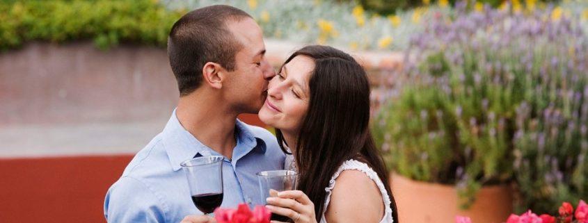 Beber vinho deixa o casamento mais feliz
