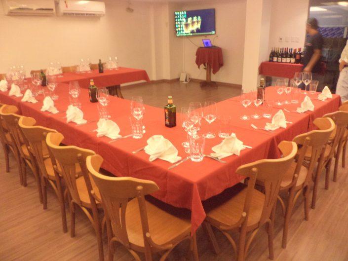 Mesa pronta para a degustação