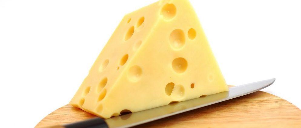 Suíça desvenda mistério dos buracos em seus queijos